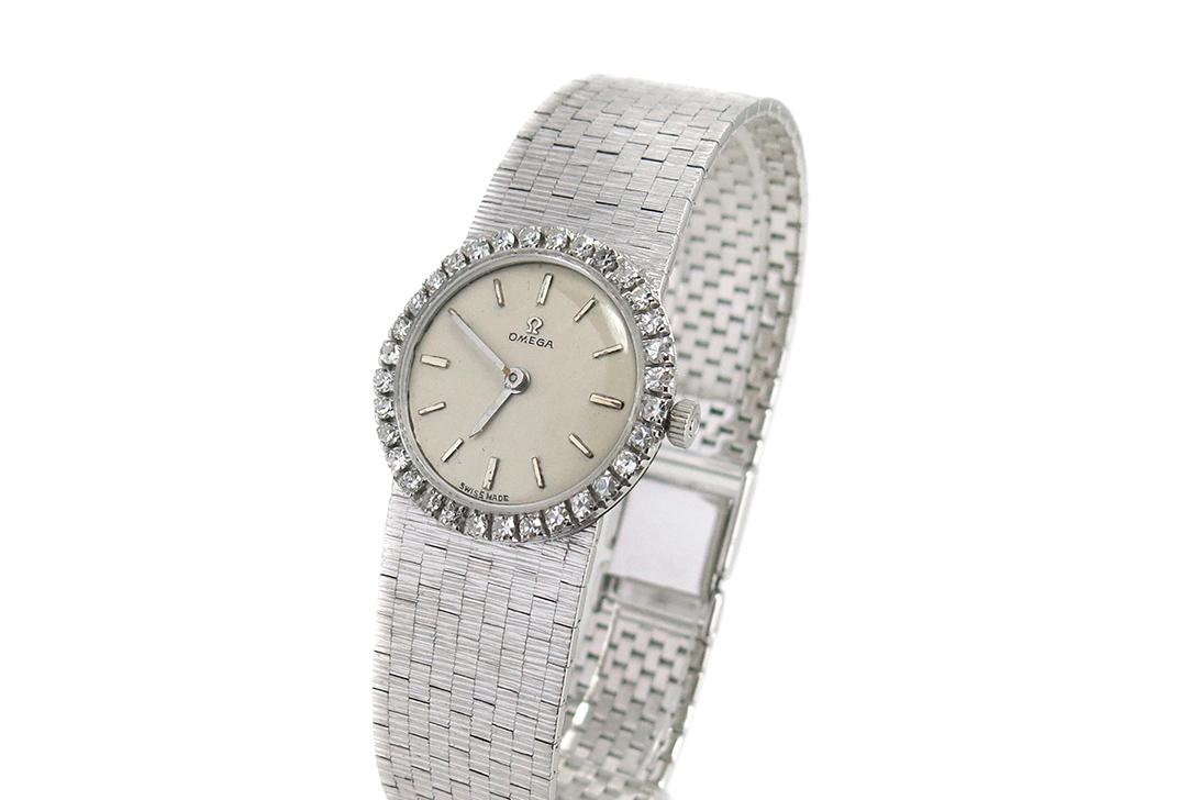 Klassische Damenuhr Omega 22mm 750 Weissgold Handaufzug Diamanten